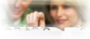 Choosing the best mounting for your diamond when getting engaged - P.K. Bennett Jewelers in Mundelein, IL